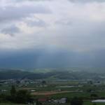 うっすらと虹