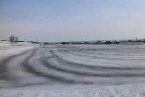 融雪剤の跡